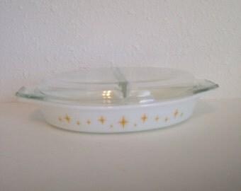 Vintage Pyrex, White Yellow Constellation Pyres, Pyrex Divided Casserole Dish, Vintage Pyrex Dish with Lid, 1 1/2 qt Pyrex Dish