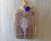 Loved ones in resin~Gold toned picture pendant