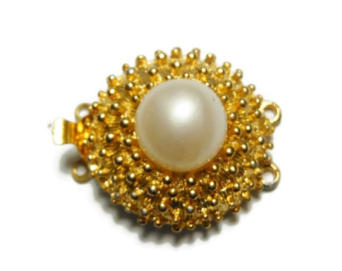 "Pearl box clasp, gold plated bumpy hobnail statement clasp with white glass pearl set in center, 25mm (1"") round, double strand, supplies"