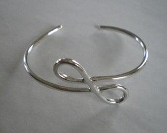 Handmade Sterling Silver Figure Eight Infinity Sign Bracelet
