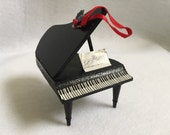 Christmas Ornament Vintage - Baby Grand Piano - Black Piano - Doll House Piano - Christmas Music - Player Piano