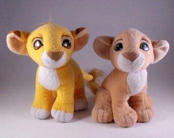 SALE!!!!! Ten Dollars Off!!!  Authentic Lion King Kissing Cubs Baby Simba and Nala Magnetic Noses Vintage 1993 EUC