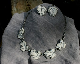 Vintage Sarah Coventry White Leaves Demi Parure Set Bridal Bridesmaid Wedding Prom Silver Necklace Earrings
