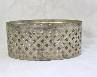 Silverplate basketweave planter- Vintage Table Decor- Oval flower basket- container- pinecones, potpourri, hand towels, shabby chic decor