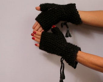 Fingerless Gloves, Black Knit Gloves, Chunky Gloves, Soft Arm Warmers, Thick Winter Gloves, Unique Gloves, Wool Gloves Leather Detail