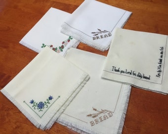 Set of 5 Vintage White and Ivory huck embroidered napkins for home decor, housewares, dining, picnic by MarlenesAttic