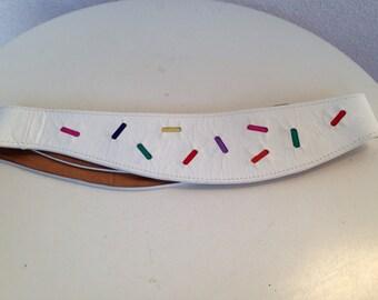 "Vintage 80s white leather waist belt colored confetti insets by Ginnie Johansen 27/34"""