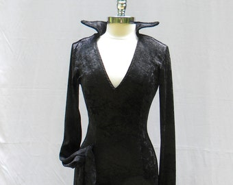 Morticia Addams....Extreme Sleeves Crushed Velour