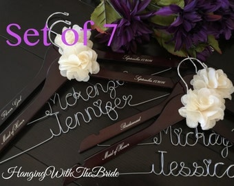 Set of 7 Personalized Hanger,  Custom Bridal Hangers,Bridesmaids gift, Wedding hangers with names,Custom made hangers