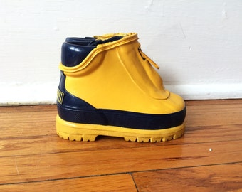 Kids Yellow Rain Boots / Rubber Hiking Boots Zip Up 90s Infant Size 5