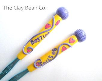 Besties Crochet Hook set- 2 hooks Bates size H