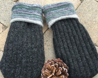 Fleece lined wool mittens made from recycled sweaters