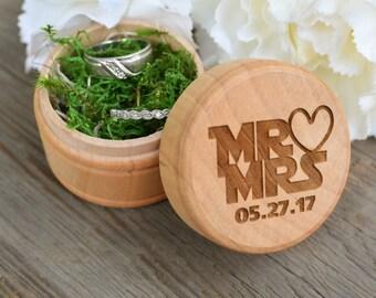 Star Wars Mr & Mrs Engraved Wedding Ring Box - Rustic Wedding Ring Box