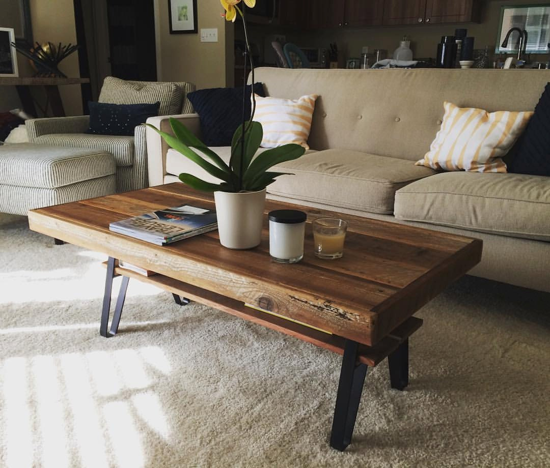 Reclaimed Wood Farmhouse Coffee Table With Shelf Flatiron