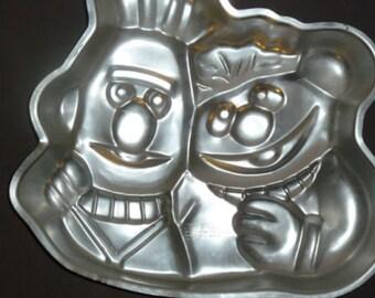 Vintage Wilton Ernie Bert 1977 Wilton aluminum Cake Pan Party 502-7423 Muppets Decorating Mold