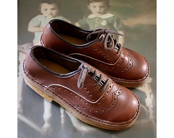 french 70s KIDS SHOES  size us12 fr30  dead stock