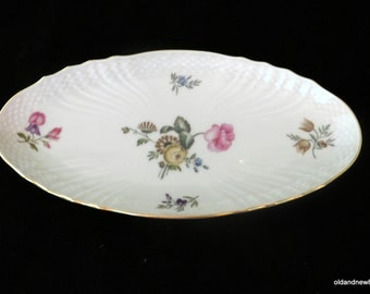 Royal Copenhagen Pattern 910, Ivory Dish, Oval Pickle Dish