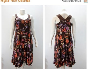 SALE 40% off XXL Dress Brown Floral Vintage