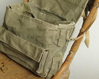 Vintage Olive Green Vietnam Era Military Field Messenger Bag Rucksack Backpack