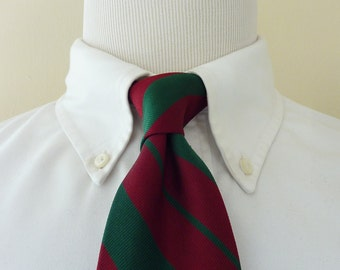 CLASSIC Vintage POLO by Ralph Lauren PRL 100% Silk Green & Maroon Regimental Repp Stripe Trad / Ivy League Neck Tie.