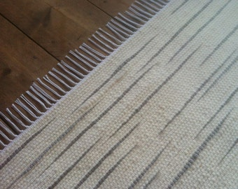 3x4 Wool Rug / White with Grey Accents