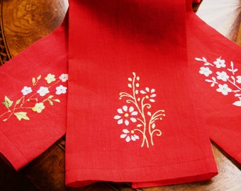 Finger Towels, Tea Towels, Guest Towels, Embroidered, Red Towels, Lot of 3, Linen Tea Towels, Floral embroidery, Vintage 1960s