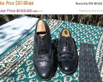 SALE SALE Vintage Florsheim Kenmoor, peddle grain black longwing tip, brogues.Made in the USA Size 9.5