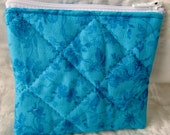 quilted zippered pouch / small change purse / quilted aqua print