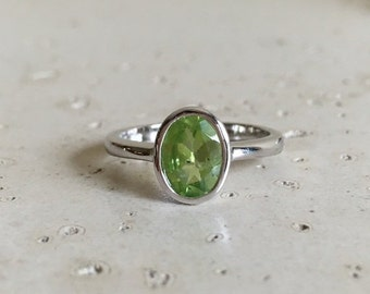 SALE Silver Oval Peridot Ring- Stackable Rings- Birthstone Ring- Gemstone Ring- Green Ring- Oval Ring- Bezel Ring- August Ring- Sterling Sil