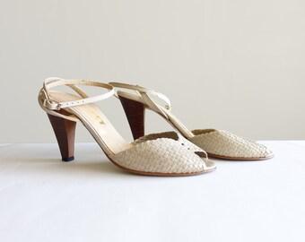 Vintage 6 Ivory Peep Toe Pumps Summer Heels