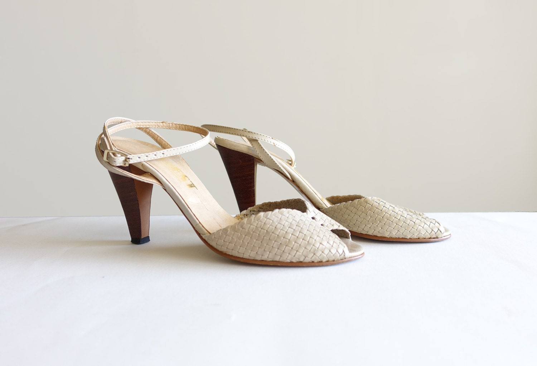 vintage 6 ivory peep toe pumps summer heels. Black Bedroom Furniture Sets. Home Design Ideas