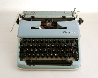 Typewriter, Olympia SM4 w/ Techno Font