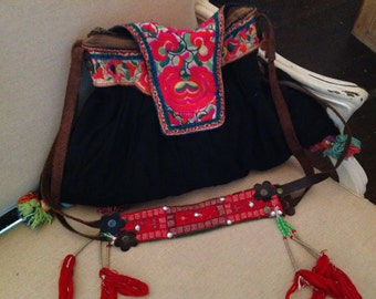 Vintage embroidered leather bag-Poetry