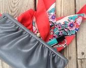 Vintage purse | Gray faux leather baguette clutch