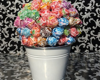 White Dum Dum Lollipop Bouquet / Centerpiece
