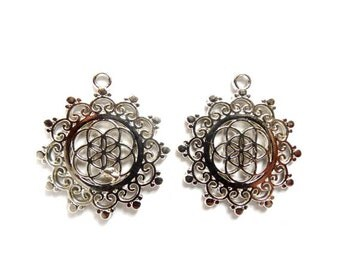 2 Antique Silver Seed Of Life Charms - 27-15-1
