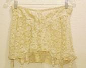 Vintage 60's shabby lace girdle