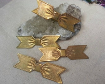 Vintage brass bow brooches pendants - 4 pieces