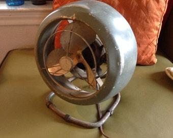 vintage mid century Eames era industrial VORNADO fan Model 50386 steampunk