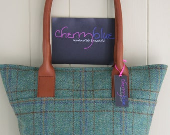 Large tweed tote bag with floral lining