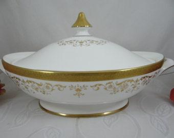 "Vintage Royal Doulton English Bone China Oval Covered Vegetable Bowl ""Belmont"" Pattern"