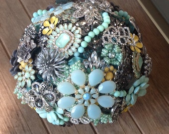 Brooch Bouquet Deposit on Custom Made to Order Bouquet