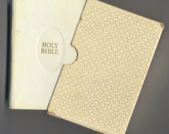 KJV Bible with Case - Vintage Book:  White/Gold Leather