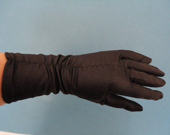 Vintage Black Bri-Nylon Mid Length Ruched Gloves with Scale Effect - 1960s  - Size 7 - Mod, Twiggy - Slight Flaw