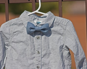 Chambray Bow Tie..Christmas Bow Tie..Clip on Bow Tie...Toddler Bow Tie..Newborn Bow Tie..Bow Tie..Spring Bow Tie..Denim Bow Tie