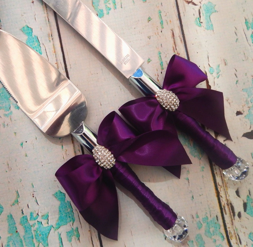 your color wedding cake serving set plum wedding knife set. Black Bedroom Furniture Sets. Home Design Ideas