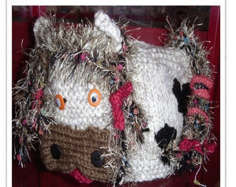 Knitting Pattern For Cow Tea Cosy : Items similar to Snowman tea cosy knitting pattern. UK seller on Etsy