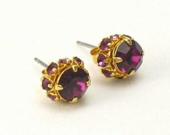 Vintage Purple Rhinestone Pierced Earrings. Rhinestone Stud Earrings. Vintage Purple Earrings. Petite Earrings