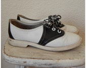 Vintage 1960, Pinwheel brand, Original Black and white saddle oxfords Womens 8M