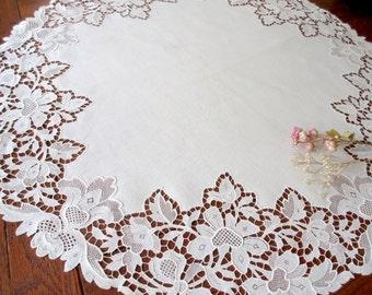 Vintage  Lace Tablecloth  Linens Handmade   Embroidered Linen Tablecloth Round Table Top Antique Linens .